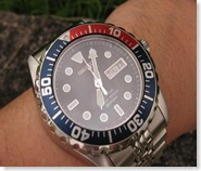 smy003p wrist 9880 resize medium thumbThe Seiko Kinetic: Boon or Bane?